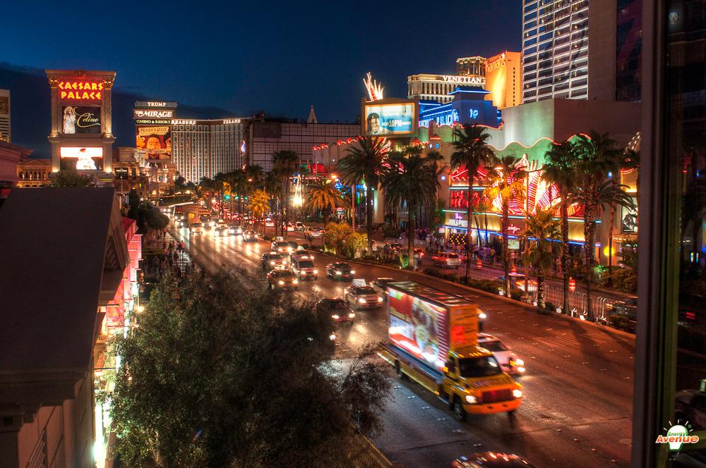 Las Vegas: Famous Hotels, Lights & Architecture thumbnail