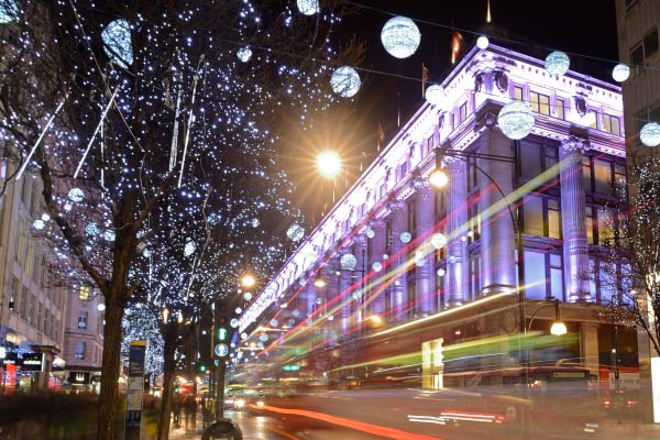 How Businesses Can Save Money on Holiday Lighting thumbnail